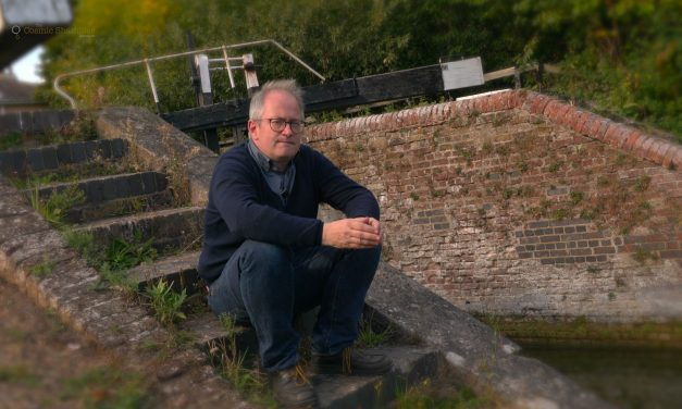 Preoccupied Atoms – A poem by Robin ince